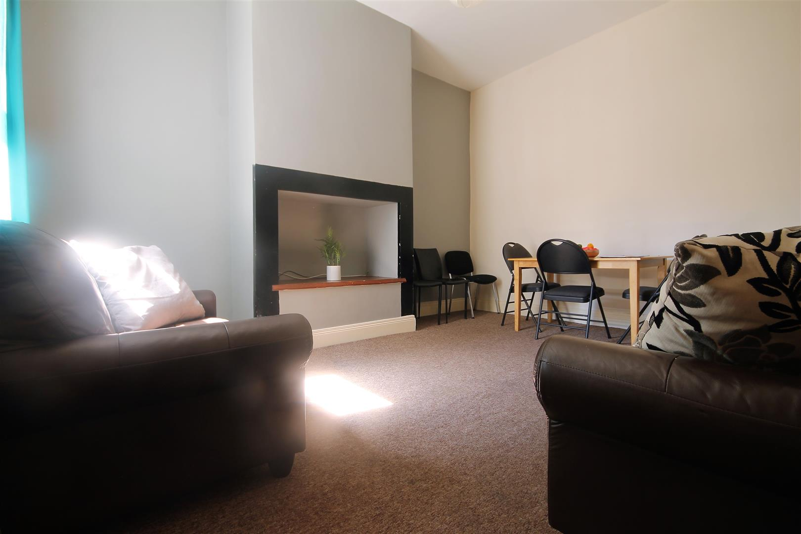 Brandon Grove Newcastle Upon Tyne, 5 Bedrooms  House - terraced ,For Sale